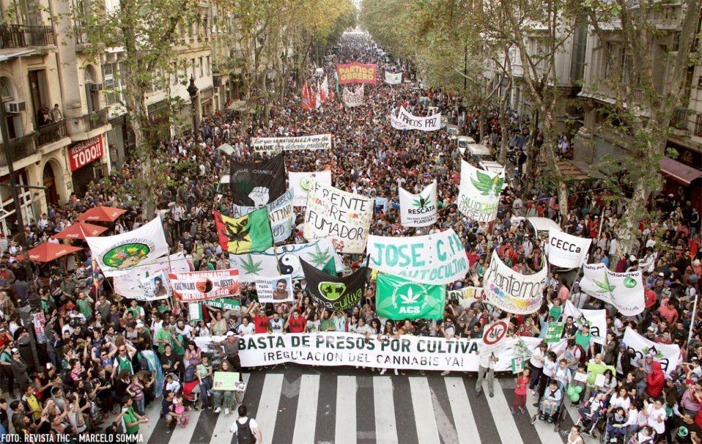 Multitudinaria Marcha por la legalización del autocultivo de Marihuana