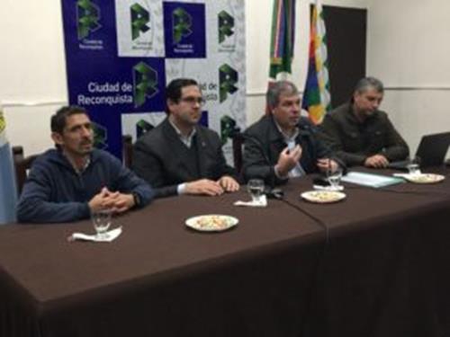 """Funcionarios lanzan el Programa """"Clubes Argentinos"""" para el norte Santafesino."""