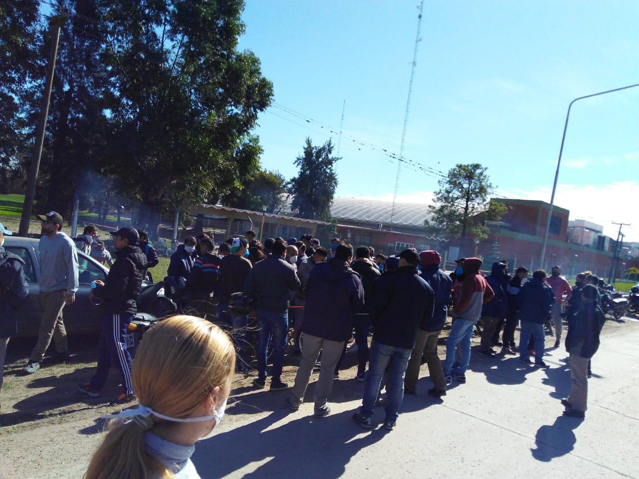 Invitan a acompañar a los trabajadorxs de Algodonera Avellaneda